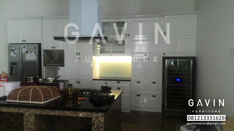 Gambar kitchen set duco putih ide ruang for Kitchen set hitam putih
