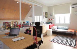 Desain Interior Rumah Bergaya Resort 8