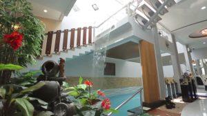 desain kolam renang dalam rumah