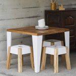 contoh meja cafe minimalis bahan kayu