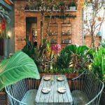 The Garden Resto Dengan Nuansa Tanaman Yang Asri