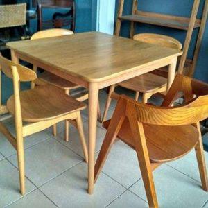 gambar meja kayu unik